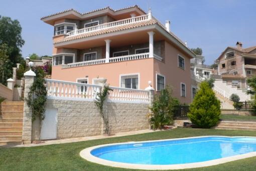 Luxusvilla mit Gästeappartment in Benalmadena