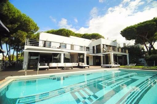 Atemberaubende Villa mit fantastischem Meerblick in Cabopino