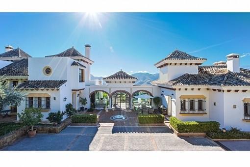 Imposantes Anwesen mit Meerblick und märchenhaften Interieur