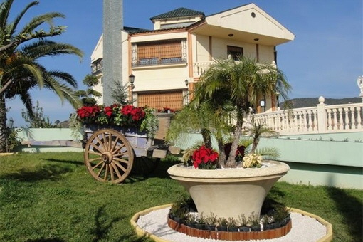 Einzigartige Villa mit privatem Pool und Jacuzzi in Alcolea