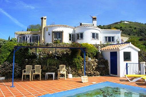 Herrliche Villa mit Pool in Torrox