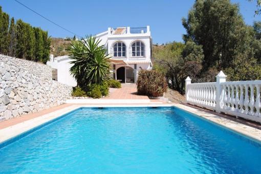 Stilvolle Villa mit paradiesischem Meerblick und großem Pool in Cómpeta, Andalusien