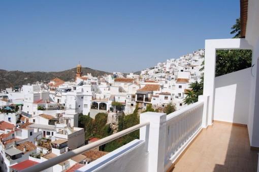Exquisites Townhouse mit atemberaubenden Ausblick in Cómpeta, Andalusia