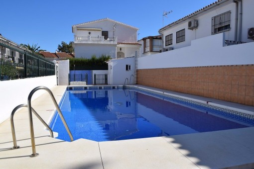 Schönes Townhouse mit Pool und Meerblick in Algarrobo,Andalusien