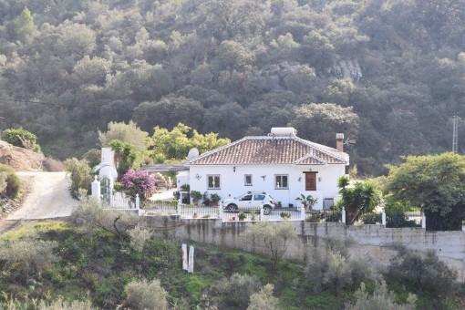 Authentisches andalusisches Landhaus mit malerischem Bergblick