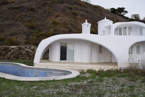 Einzigartige Villa mit Pool und Meerblick