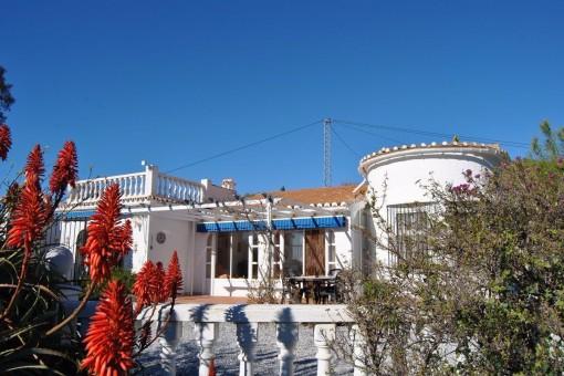 Schöne Villa mit beheiztem Pool und Meerblick in Cómpeta, Málaga