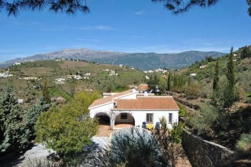 Wunderschöne Villa mit Pool & Gästehaus in Cómpeta (Málaga)
