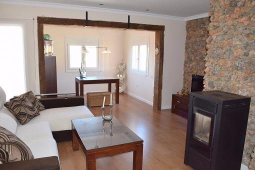 kaufen neues und modernes haus in periana. Black Bedroom Furniture Sets. Home Design Ideas
