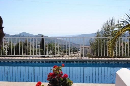 Traumhafte Villa mit Pool und Meerblick in Cómpeta, Málaga