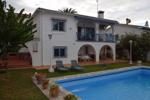 Schöne Villa mit Pool und Meerblick in Caleta de Vélez, Málaga