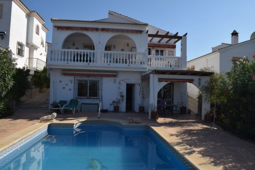 Freistehende Villa mit Pool in Alcaucín