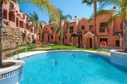 Neue fantastische Häuser am Golfplatz in Estepona