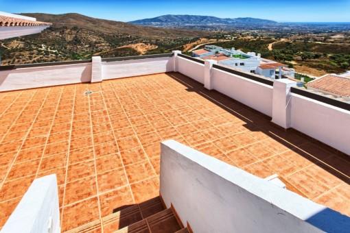 Neues Penthaus mit 1 Schlafzimmer und 1 Bad mit Meerblick, Terrasse, Solarium, 2 Tiefgaragenplätzen