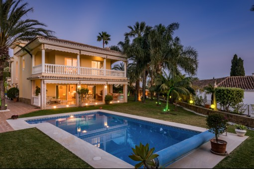 Villa mit Meerblick in El Rosario, Marbella