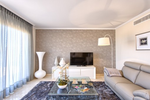 Wunderschöne Neubau Apartments/Penthäuser in Strandnähe mit privaten Gärten, Terrassen, Meerblick