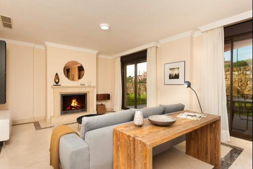 Neue Wohnanlage von Freistehenden und Doppelhaushälften, Frontlinie Golf, Estepona, Malaga