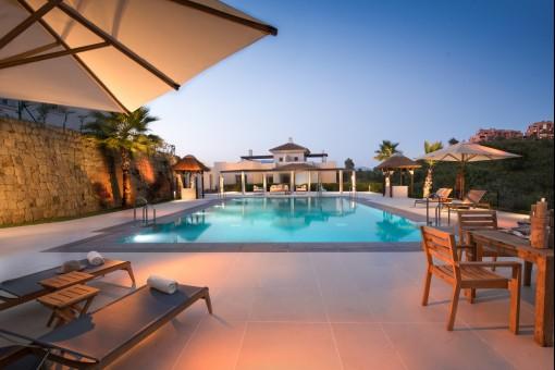 Luxuriöse Wohnung inmitten einer wunderschönen Naturlandschaft in Mijas