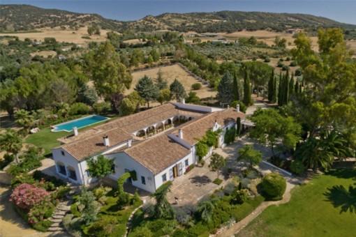 Ländliche Finca mit Pool und Pferdestall in Ronda, Málaga
