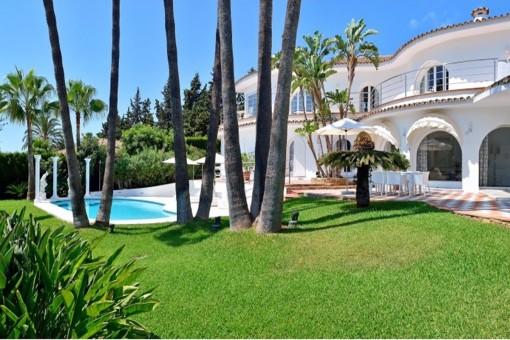 Prächtige Villa in erstklassiger Lage mit Meerblick
