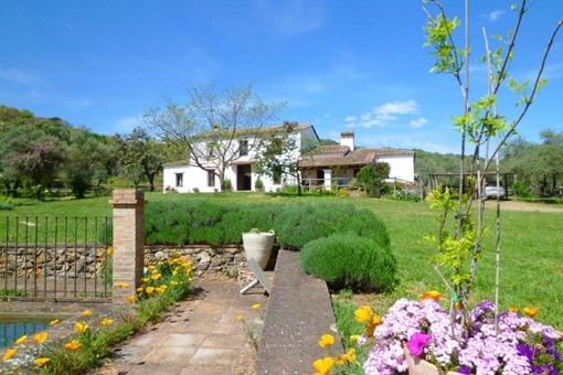 Bezaubernde Finca mit Pferdeställen und Gästehaus in Aracena