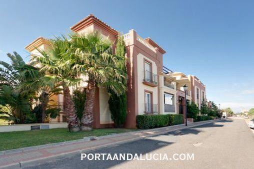 Geschmackvoll eingerichtete Wohnung in der Golfurbanisation in Isla Canela