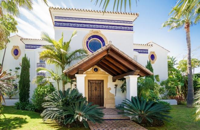 Luxusvilla mit hochwertiger Ausstattung in der Nähe des Golf Resorts
