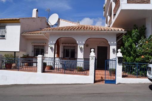Wunderschönes Townhouse im maurischen Stil mit herrlicher Terrasse in Moclinejo, Andalusien