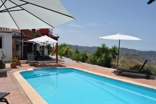 Traumhafte Villa mit stilvoller Ausstattung und Meerblick