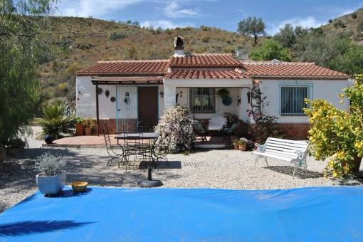 Finca mit Pool und Bergblick in Canillas de Aceituno, Málaga