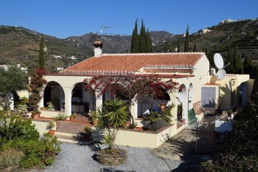 Wunderschön geschnittenes Landhaus mit herrlichem Meerblick in Torrox, Málaga