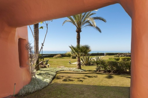 Die Terrasse mit Blick auf das Meer