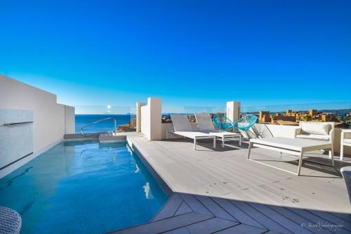 Neues spektakuläres Penthouse 1. Strandlinie  in Estepona