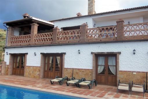 Spektakuläre Finca mit herrlicher Aussicht in Álora, Malaga