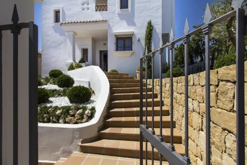 Tor zur Villa