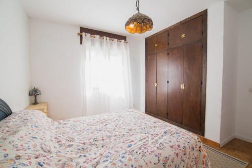 Schlafzimmmer mit Einbauschrank