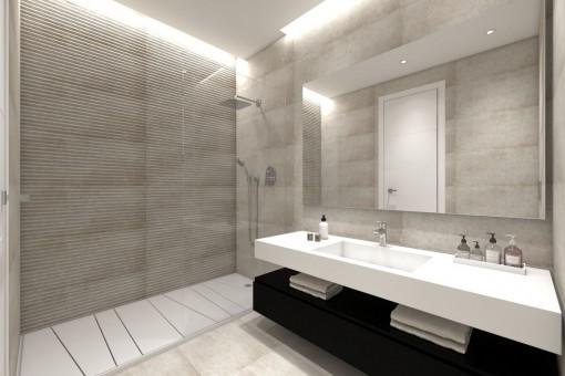 Modernes Badezimmer mit großer Dusche