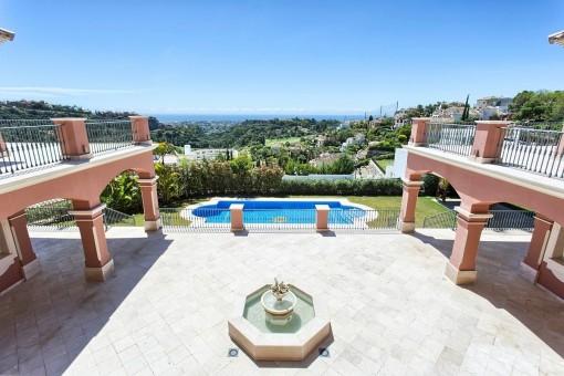 Spektakuläres geräumiges Anwesen  höchster Qualität mit Panoramablick in Los Arqueros, Benahavis
