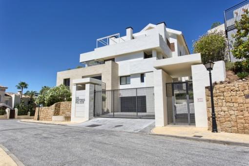 Altos de los Monteros, Marbella – zeitloses, sytlisches Qualitäts-Duplex-Penthouse mit Panoramablick