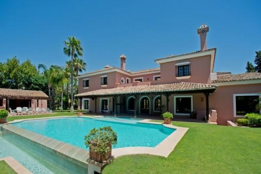 Traditionelle Villa im Cortijo-Stil in Guadalmina Baja, Marbella