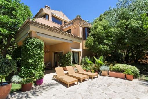 """Schöne, klassische Villa, direkt an der """"Golden Mile"""""""