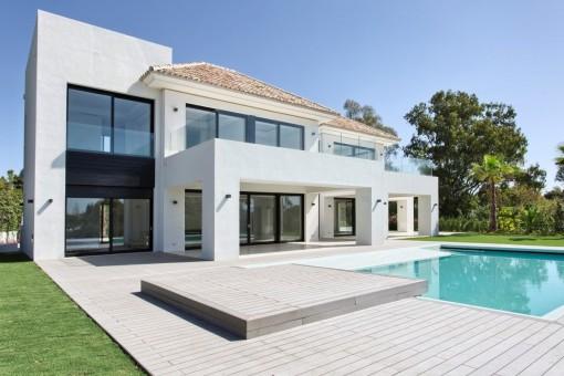 Geräumige, neue moderne Villa in Guadalmina baja, Marbella