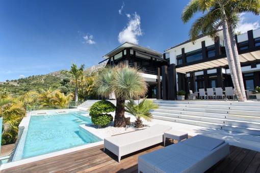 Hochwertige moderne Designer Villa mit spektakulärem Meerblick in Marbella
