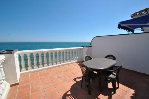 Schöne Wohnung in erster Meereslinie in Mijas, Costa Del Sol