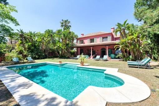 Wunderschön renovierte Villa in Hacienda Las Chapas - Marbella Ost