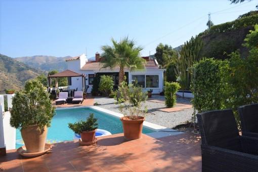 Liebevoll gepflegte Finca mit Pool in Torrox, Málaga