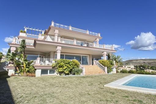 Geräumige Neubau-Villa im Los Flamingos Golf Resort in Benhavis
