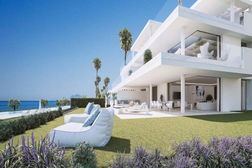 Beeindruckendes Penthouse mit 4 Schlafzimmern direkt am Mittelmeer in Estepona
