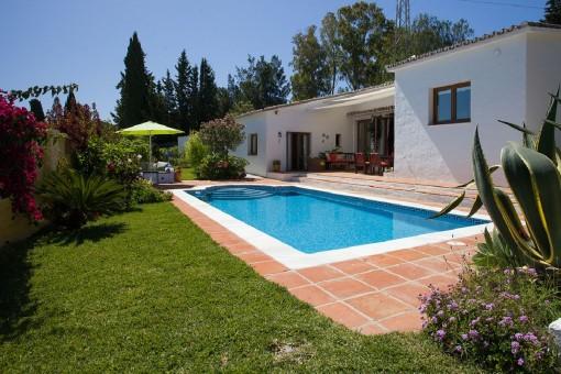 Split-Level-Villa in ruhiger Umgebung in Estepona
