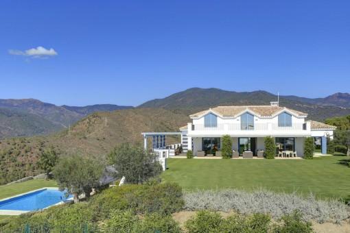 Luxuriöse Villa mit Panoramablick auf das Mittelmeer und die Berge in Monte Mayor, Benahavis